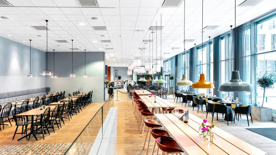 Scandic Kristiansand Bystranda, Norway, Kristiansand, Asplan Viak, Krog og Tjader, Kruse and BRG, Aquarama Hoteleiendom, Bico Bygg og Innredninger, Erik Burås, CMC 2800, Rockfon System T24 A/E, White, Tropic, 600 x 600 x 15, A-edge, CMC 2800, ROCKFON System T24 A/E